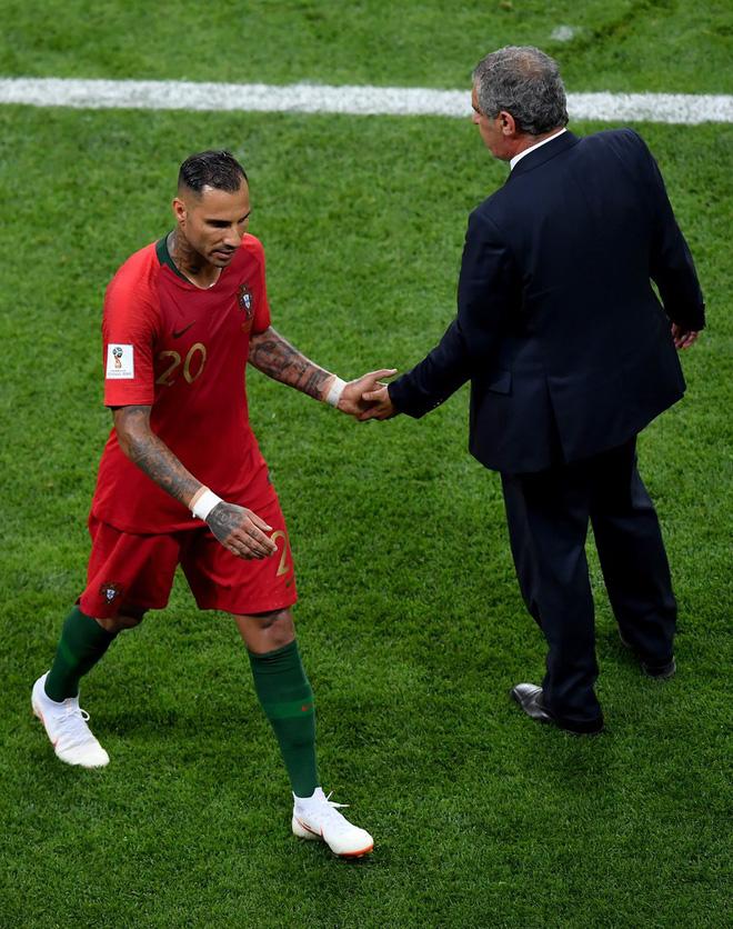 Với đại ca của Ronaldo, cú sút ghi bàn ấy có gì là đáng kể! - Ảnh 3.