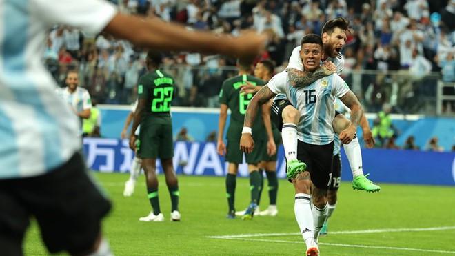 Rojo: Phút 76 bị cả Argentina nguyền rủa, phút 86 thay Messi đóng vai anh hùng dân tộc - Ảnh 3.