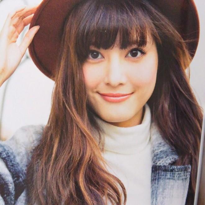 Vợ nổi tiếng, xinh như thiên thần của đội trưởng tuyển Nhật Bản - Ảnh 3.