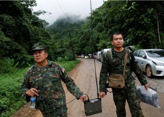 Thái Lan: 12 cậu bé cùng một người lớn mất tích trong hang động, nhà chức trách mở cuộc tìm kiếm quy mô cực lớn - Ảnh 1.