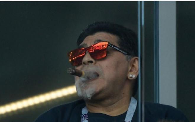 """[World Cup 2018] Vua bóng đá: Sướng như """"Cậu bé vàng"""" Maradona.,,"""