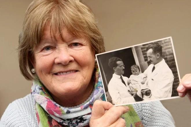 Người phụ nữ tìm ra thân thế của mình chỉ nhờ con tem thư chứa ADN từ 30 năm về trước - Ảnh 4.