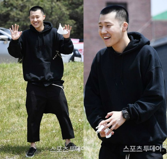 Dàn mỹ nam xứ Hàn khi vào quân ngũ: Người đẹp xuất sắc như đóng phim, kẻ xập xệ đến mức khó nhận ra - ảnh 28