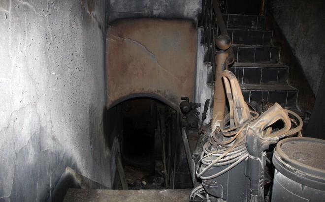 Cận cảnh bên trong căn hầm ẩn nấp của trùm ma túy trốn truy nã ở Lóng Luông - Ảnh 3.