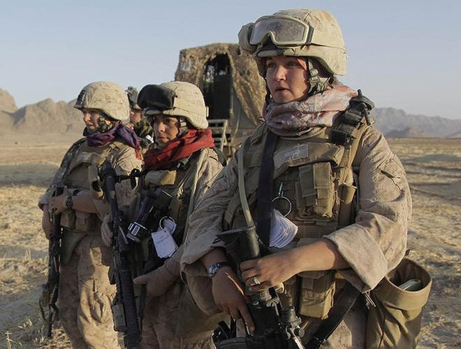 [ẢNH] Nỗi sợ hãi của một số nữ binh sĩ Mỹ không phải là kẻ thù mà là chính nam đồng nghiệp - Ảnh 7.