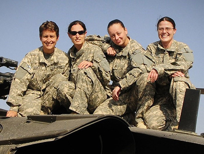 [ẢNH] Nỗi sợ hãi của một số nữ binh sĩ Mỹ không phải là kẻ thù mà là chính nam đồng nghiệp - Ảnh 9.
