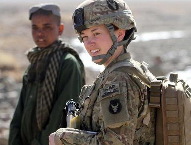 [ẢNH] Nỗi sợ hãi của một số nữ binh sĩ Mỹ không phải là kẻ thù mà là chính nam đồng nghiệp - Ảnh 10.