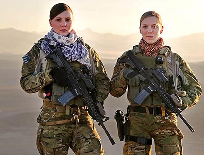 [ẢNH] Nỗi sợ hãi của một số nữ binh sĩ Mỹ không phải là kẻ thù mà là chính nam đồng nghiệp - Ảnh 11.