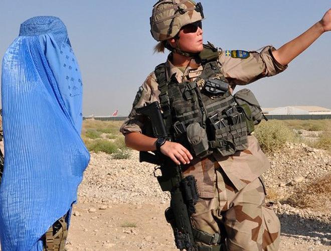 [ẢNH] Nỗi sợ hãi của một số nữ binh sĩ Mỹ không phải là kẻ thù mà là chính nam đồng nghiệp - Ảnh 13.