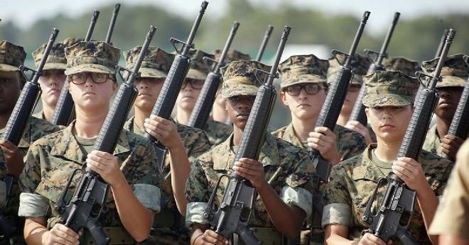 [ẢNH] Nỗi sợ hãi của một số nữ binh sĩ Mỹ không phải là kẻ thù mà là chính nam đồng nghiệp - Ảnh 19.