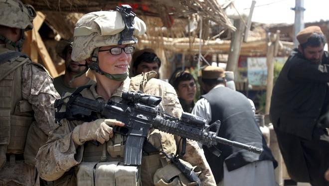 [ẢNH] Nỗi sợ hãi của một số nữ binh sĩ Mỹ không phải là kẻ thù mà là chính nam đồng nghiệp - Ảnh 21.