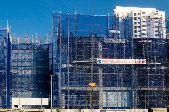 """""""Soi"""" công trường dự án cao cấp ở Tây Hồ Tây - Ảnh 8."""