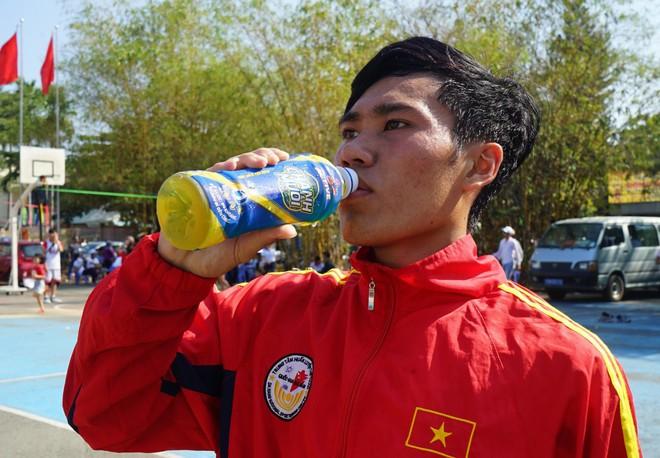 Thức uống nào phù hợp cho những người chơi thể thao - Ảnh 3.