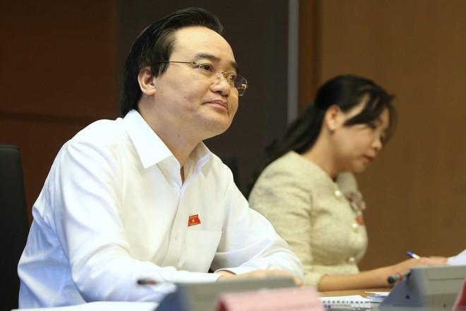 Bộ trưởng Giáo dục: Mỗi năm người Việt chi 3-4 tỷ USD đi du học  - Ảnh 1.