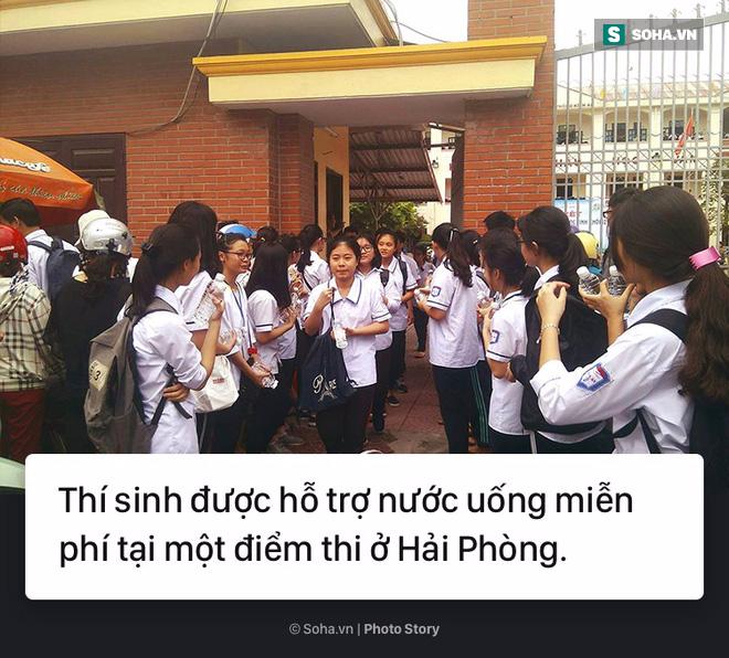 [Photo Story] Thi vào 10 - Bước ngoặt của học sinh, trận chiến của cha mẹ - Ảnh 1.