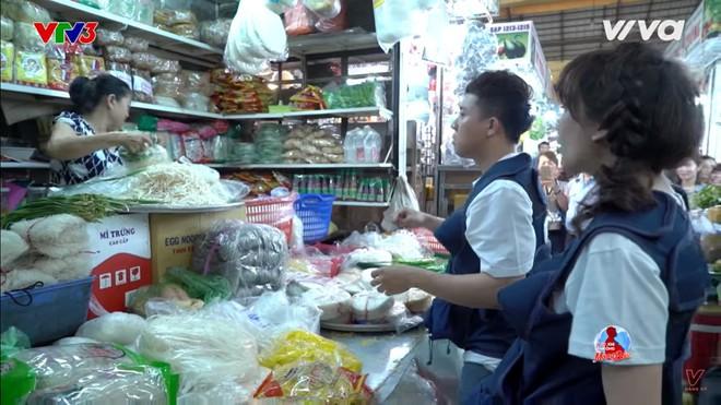 Trường Giang: Trấn Thành là nghệ sĩ tên tuổi ai cũng biết mà lại đi ăn xin - Ảnh 1.