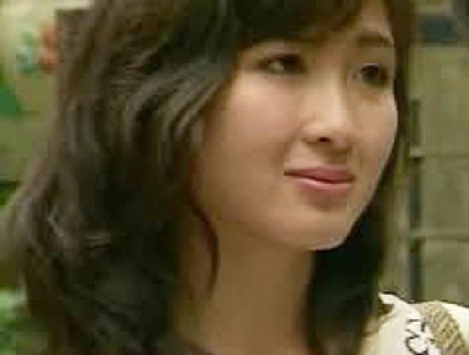 Nhan sắc không tuổi của nữ diễn viên Khánh Huyền - Ảnh 2.