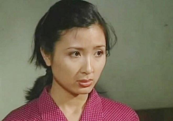 Nhan sắc không tuổi của nữ diễn viên Khánh Huyền - Ảnh 3.