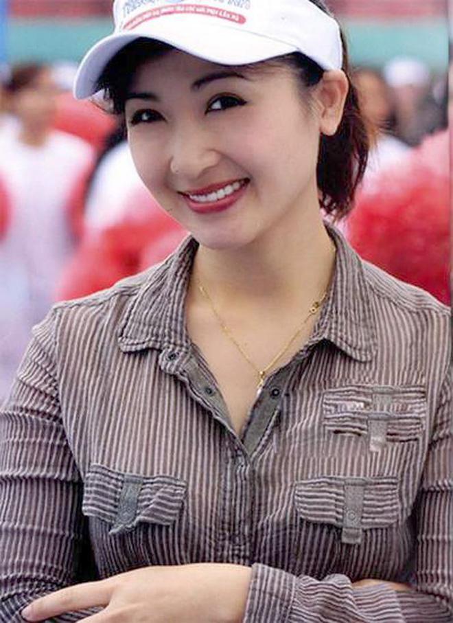 Nhan sắc không tuổi của nữ diễn viên Khánh Huyền - Ảnh 4.
