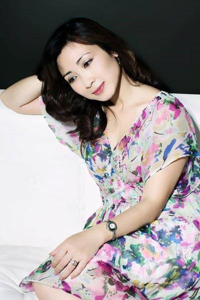 Nhan sắc không tuổi của nữ diễn viên Khánh Huyền - Ảnh 6.
