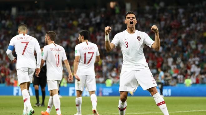 Song sát đổi vai, Ronaldo rời World Cup trong tột cùng cô đơn và cay đắng - Ảnh 3.