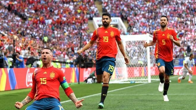 Real Madrid làm, Barca phá, Man United không cứu nổi TBN trên chấm luân lưu định mệnh 2
