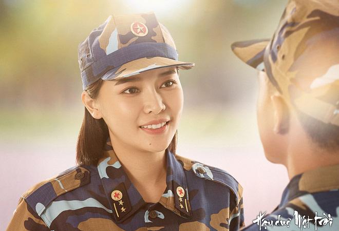 Vẻ nóng bỏng của diễn viên ít danh tiếng, đảm nhận vai thứ chính Hậu duệ mặt trời bản Việt - Ảnh 2.