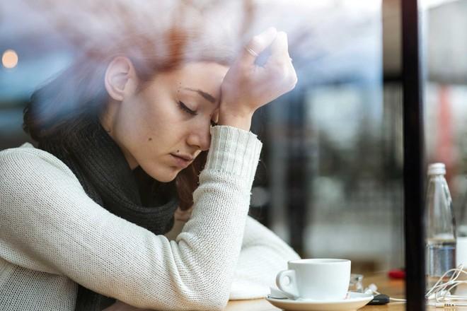 Chồng giả vờ trầm cảm rồi đột ngột đòi ly hôn, vợ choáng váng khi phát hiện đó là kế hoạch mang tiền cho gái suốt 3 năm - Ảnh 3.