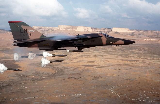 Phát bắn thần kỳ của tên lửa VN: Hạ nhục F-111 cánh cụp, cánh xòe đầu tiên trên TG - Ảnh 4.