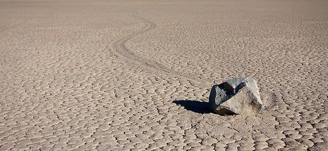 Sự thật về những hòn đá biết đi ở thung lũng chết - Ảnh 5.