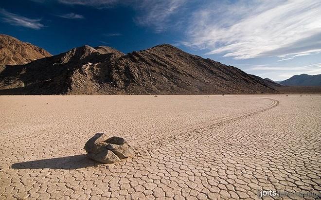 Sự thật về những hòn đá biết đi ở thung lũng chết - Ảnh 8.