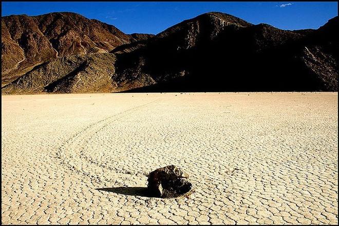 Sự thật về những hòn đá biết đi ở thung lũng chết - Ảnh 9.