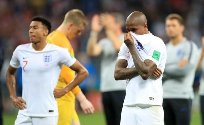 Nước mắt Tam Sư ướt đẫm Luzhniki, người Anh gạt lệ nói điều khó tin về đội tuyển - Ảnh 7.