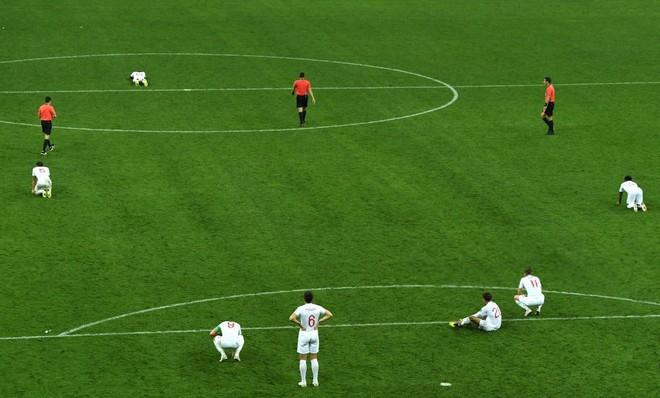 Nước mắt Tam Sư ướt đẫm Luzhniki, người Anh gạt lệ nói điều khó tin về đội tuyển - Ảnh 10.