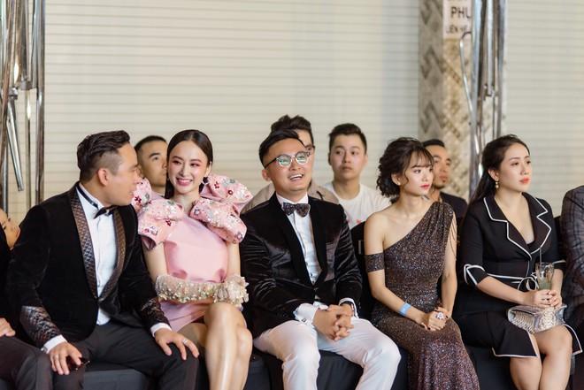 Angela Phương Trinh xuất hiện điệu đà, thu hút sự chú ý - Ảnh 6.