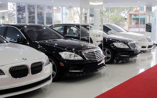 """Bất chấp """"bão"""" giảm giá, sức mua ô tô vẫn giảm mạnh - Ảnh 1."""