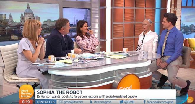 Hồ sơ khủng của robot Sophia từ khi làm người đến khi sang Việt Nam - Ảnh 10.