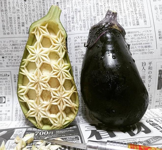 Chùm ảnh: Đỉnh cao của nghệ thuật cắt tỉa hoa quả là đây chứ đâu, dưa hấu, táo, lê bỗng chốc biến thành đèn lồng đẹp mê mẩn - Ảnh 17.