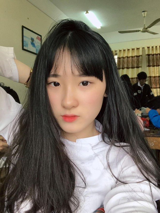 Thế hệ mỹ nhân 10x thi Hoa hậu Việt Nam 2018: Toàn nữ sinh vừa thi tốt nghiệp, xinh đẹp và sở hữu thành tích ấn tượng - Ảnh 21.