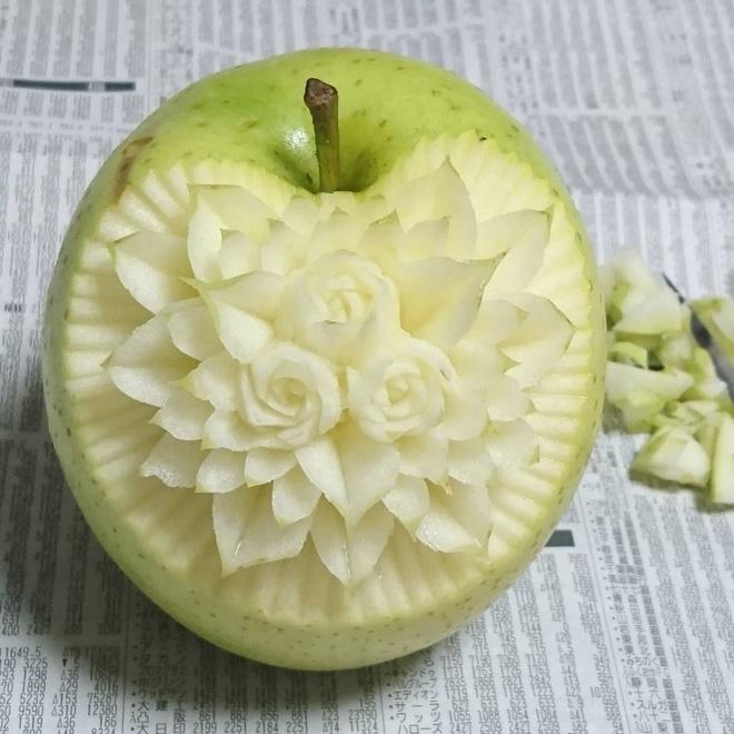 Chùm ảnh: Đỉnh cao của nghệ thuật cắt tỉa hoa quả là đây chứ đâu, dưa hấu, táo, lê bỗng chốc biến thành đèn lồng đẹp mê mẩn - Ảnh 6.