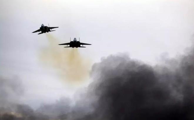Israel ồ ạt giội lửa vào vị trí quân đội Syria, đáp trả vụ UAV xâm nhập không phận