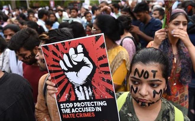 Vụ hiếp dâm tập thể trong trường học gây chấn động Ấn Độ