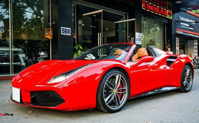 """Ferrari 488 Spider """"kí gửi"""" tại showroom xe cũ Hà Nội với giá ngang Mercedes-Maybach S500"""