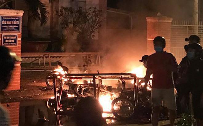 7 người gây rối, đập phá, ném bom xăng vào trụ sở UBND tỉnh Bình Thuận lãnh án