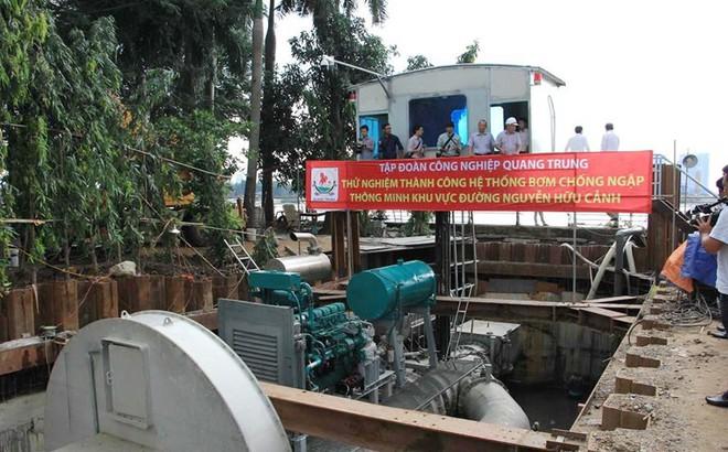 """Không nên bác bỏ """"siêu máy bơm"""" chống ngập đường Nguyễn Hữu Cảnh"""