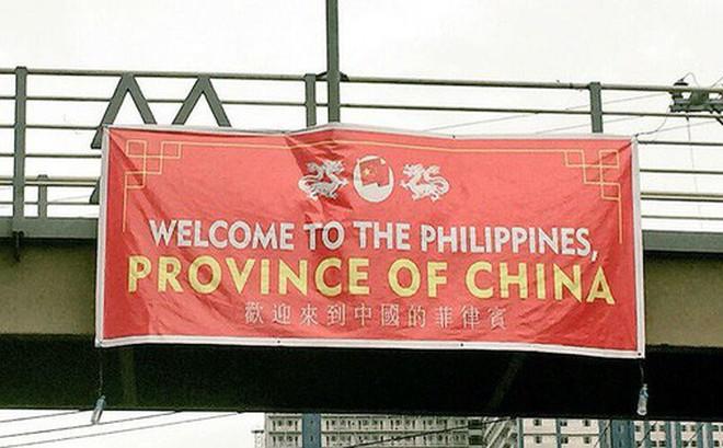 """Người Philippines nổi đóa khi bị gọi là """"một tỉnh của Trung Quốc"""" ngay giữa thủ đô Manila"""