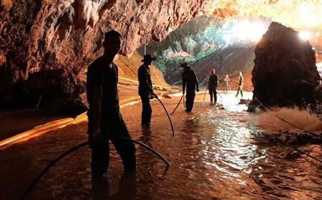 Thái Lan đóng cửa hang Tham Luang nơi đội bóng thiếu niên bị mắc kẹt