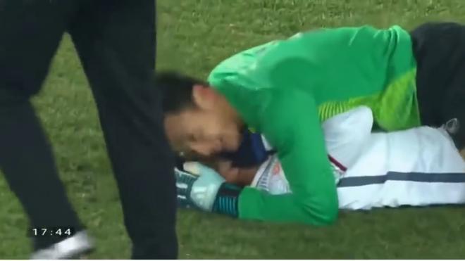 World Cup 2018: Ngôi sao Croatia tái hiện màn ăn mừng kiểu Hà Đức Chinh - Bùi Tiến Dũng - Ảnh 4.