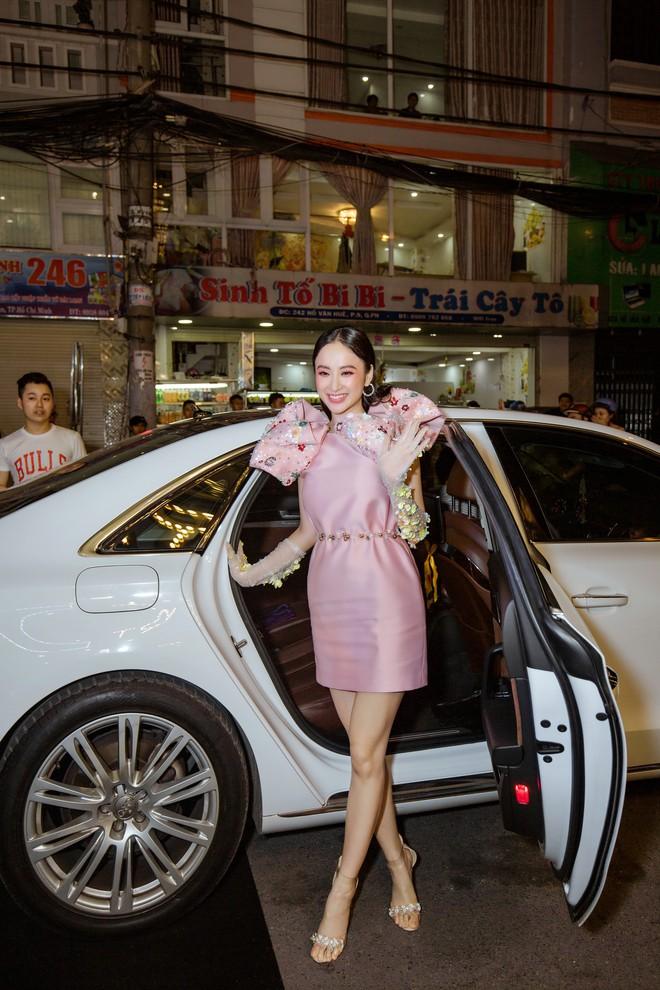 Angela Phương Trinh xuất hiện điệu đà, thu hút sự chú ý - Ảnh 2.