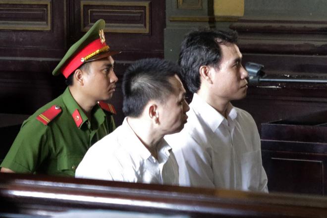 Thiếu úy công an cầm đầu đường dây buôn lậu xe Lexus, Mercedes từ nước ngoài về Việt Nam - Ảnh 1.
